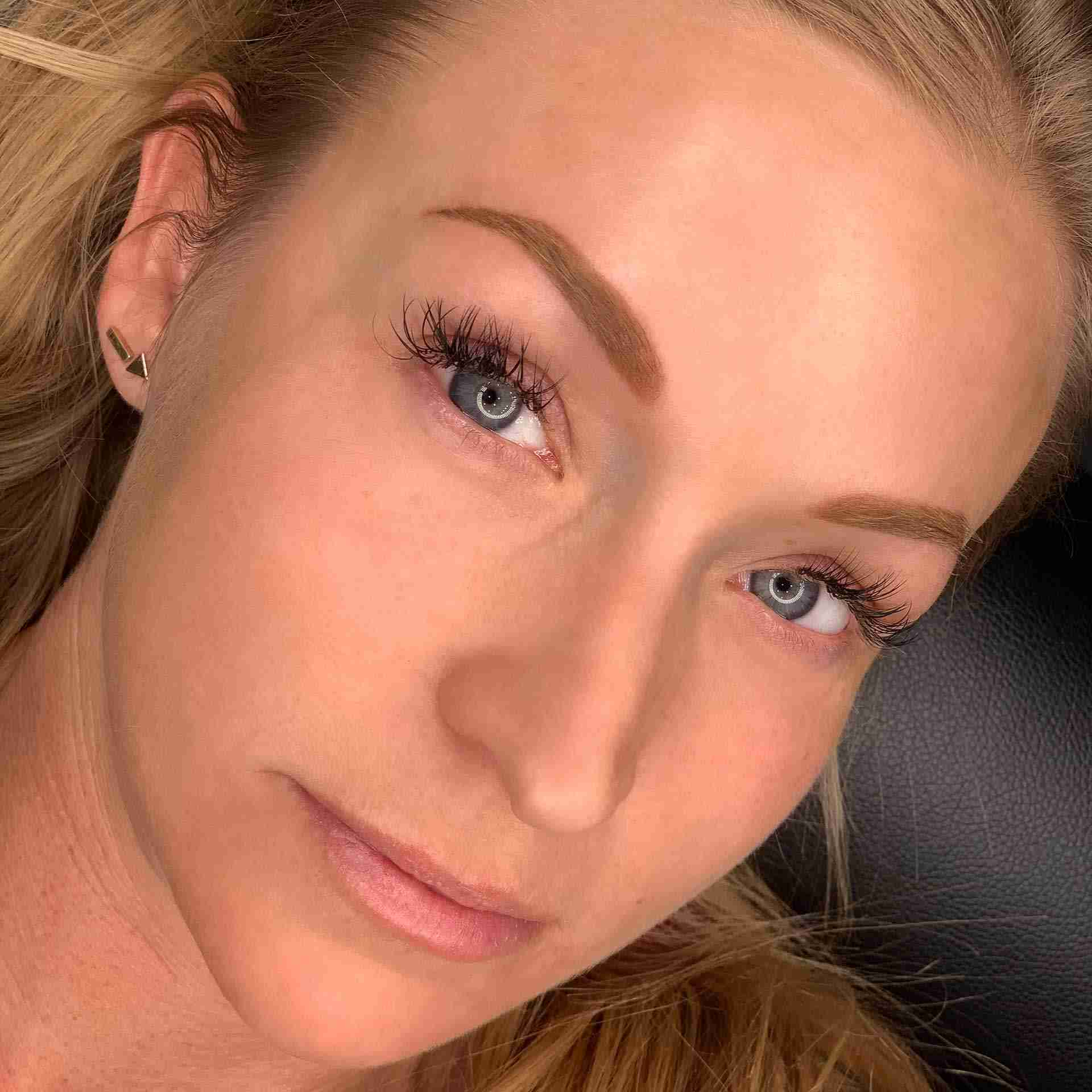 microblading permanent eyebrows on blonde hair